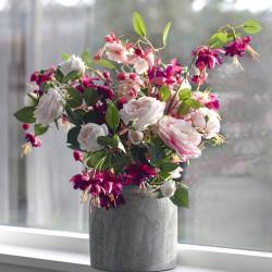 Rosenkvist med tre blommor och två knoppar, rosa, konstgjor