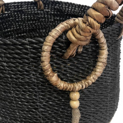 Korg i blandad fläta, kraftiga handtag med dekorativ tofsH: 48