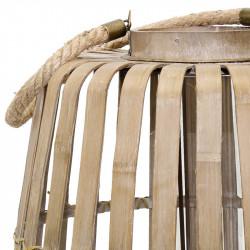 Lykta med träribbor och upphängning i rep