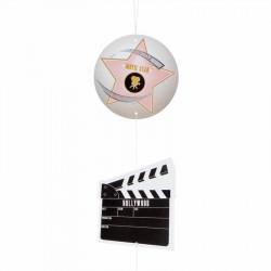 Hollywood-hängranka med filmklappa, filmrulle och stjärnor