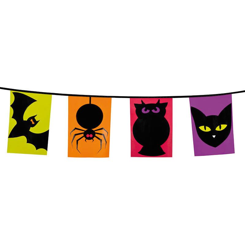 Flaggranka med 15 flaggor med Halloween-djur