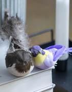 Konstgjorda fåglar och insekter till dekorativa ändamål | Brøndsholm A/S