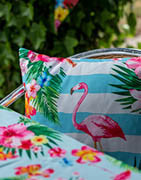 Hitta dekorationskuddar i olika färger och design online ⇒ Brondsholm.se