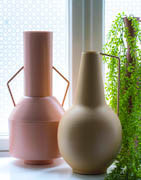 Vaser och flaskor