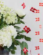 Flaggor på pinne och självhäftande flaggor | Köp online här!