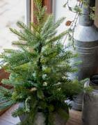 Konstgjorda gröna julgranar