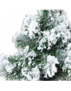 Konstgjorda julgranar med snö