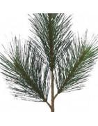 Konstgjorda grenar, kvistar och konstgjord gran till julen